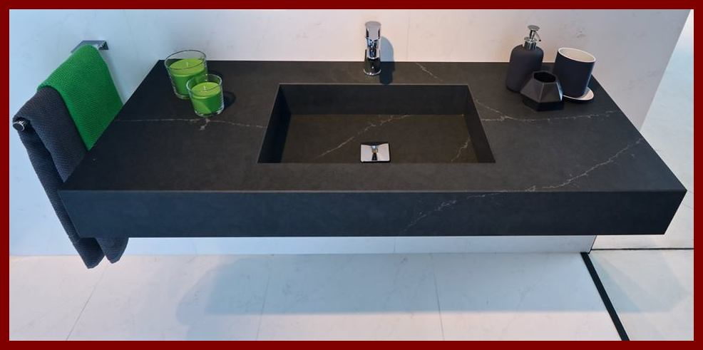 Powerful White Veins Breaks The Blankness On A Black Silestone