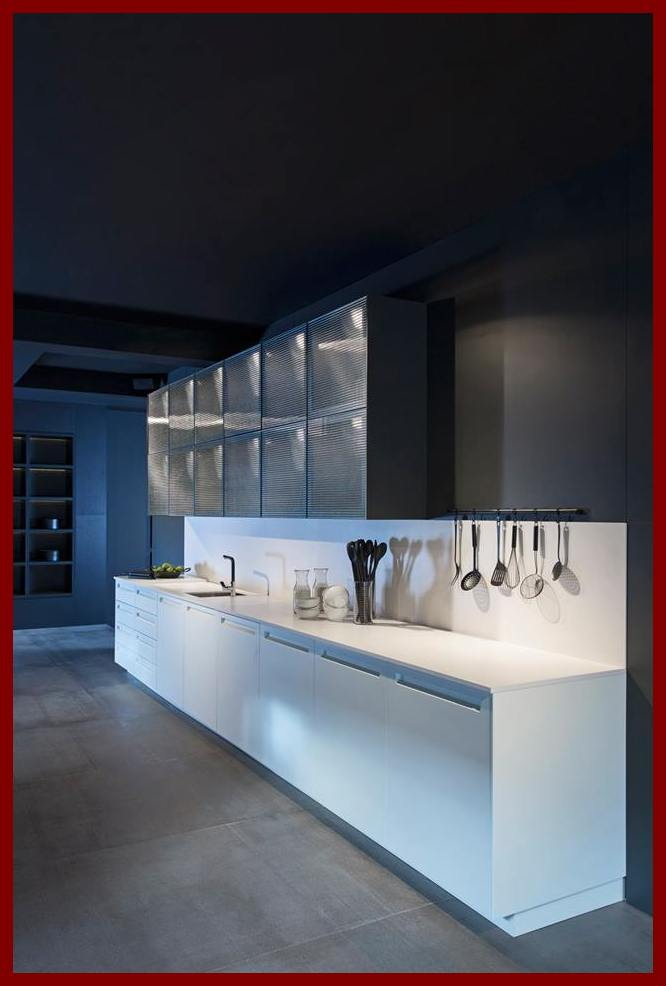 White the perfect complementary color for a dark kitchen for Perfect color for kitchen